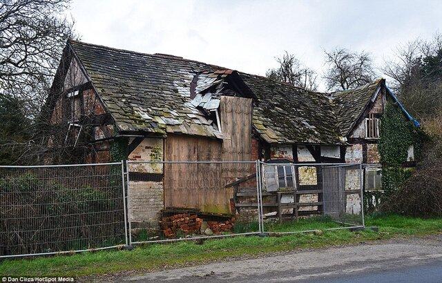 Old Crow Cottage.jpg