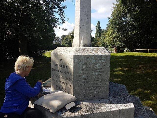 Widemarsh War Memorial 2.jpg