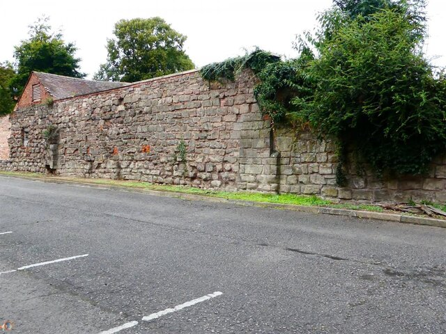 Hereford City Walls Greyfriars Avenue.jpg