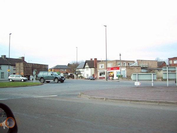 Belmontroundabout1.jpg