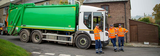 Bin_men_with_lorry.thumb.jpg.2dcdd14d7d79325aab7f9a0964984c44.jpg