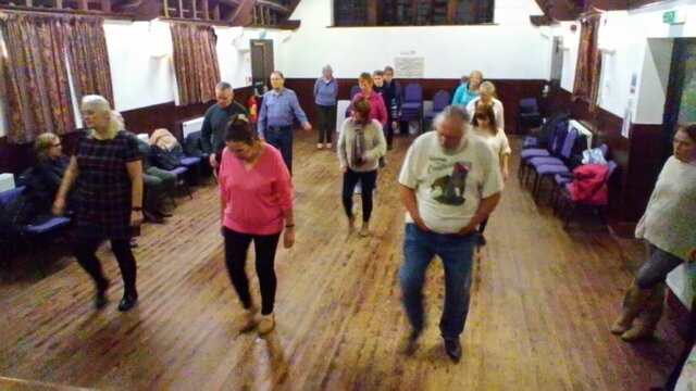 Line_dancing_Holme_Lacy_1.jpg